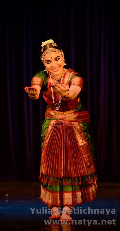 Bharatanatyam dancer Yulia Svetlichnaya